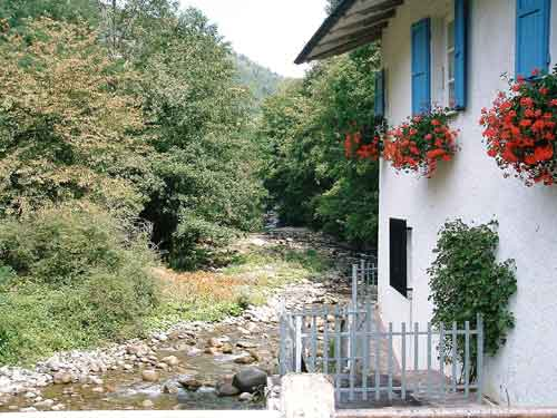 Il Mulino, a house to rent in Lunigiana, for a holiday in Tuscany